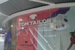 Оформление витрин tom tailor
